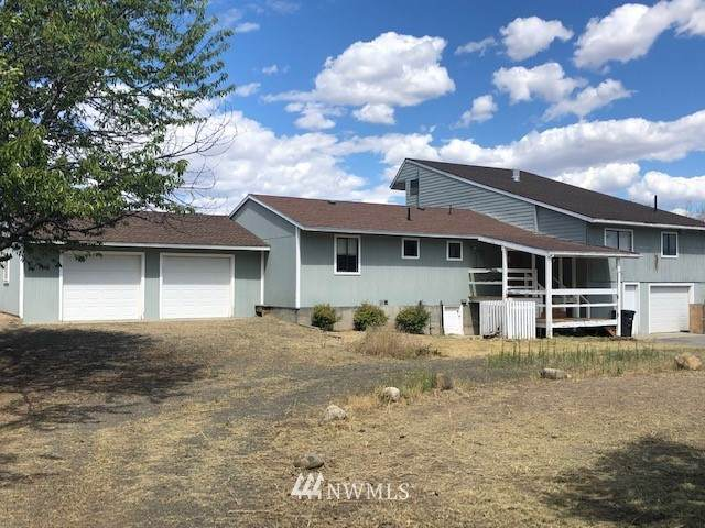 2408 Highland Drive, Bridgeport, WA 98813 (#1632509) :: TRI STAR Team | RE/MAX NW