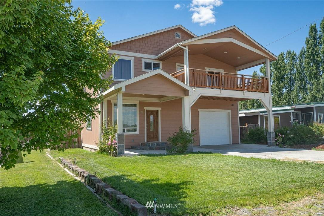 728 Wanapum Drive - Photo 1