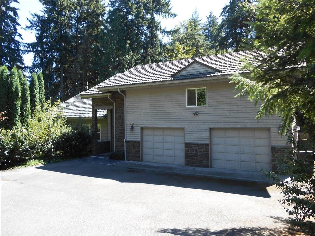 17728 NE 24th Street, Redmond, WA 98052 (#1638161) :: Better Homes and Gardens Real Estate McKenzie Group