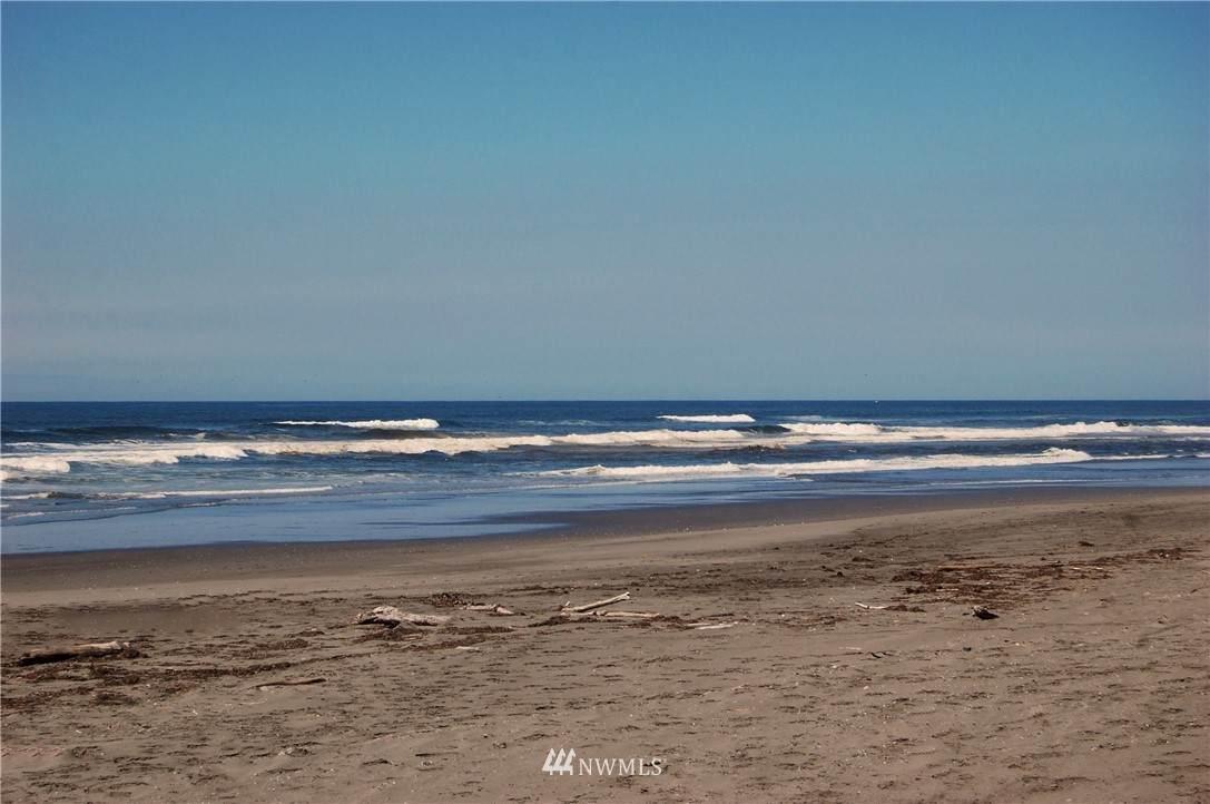 163 Sand Dune Avenue - Photo 1