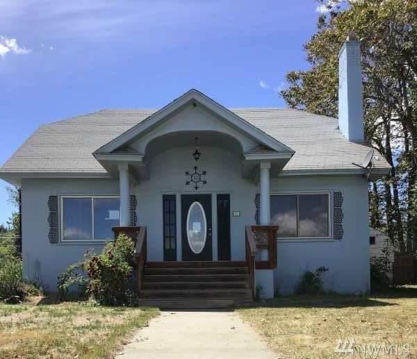 310 S Douglas St, Omak, WA 98841 (#1640936) :: Better Properties Lacey