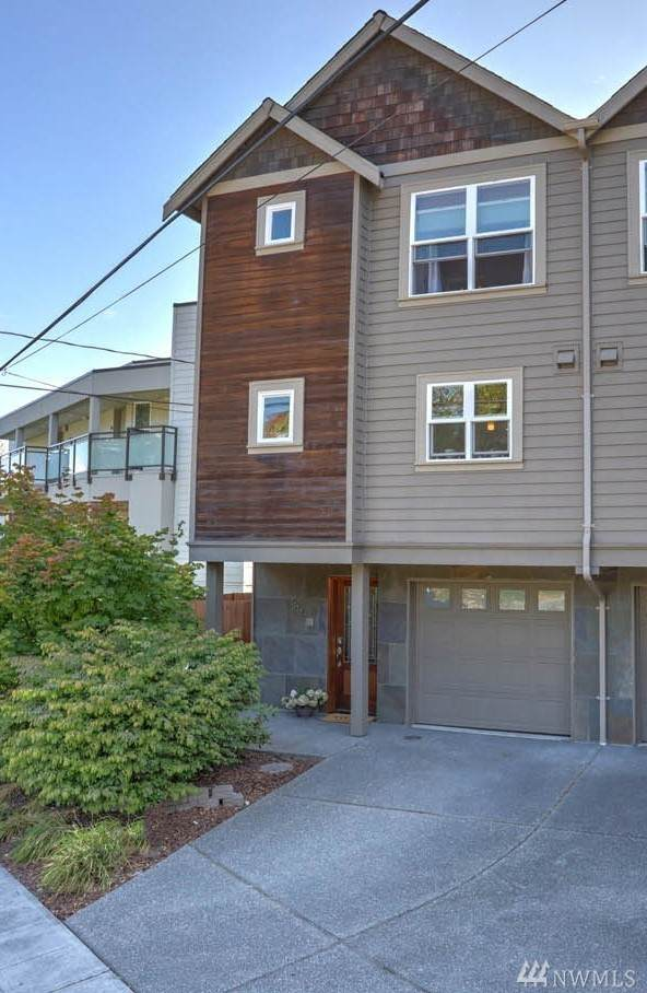 2322 Thorndyke Ave W, Seattle, WA 98199 (#1641187) :: The Original Penny Team