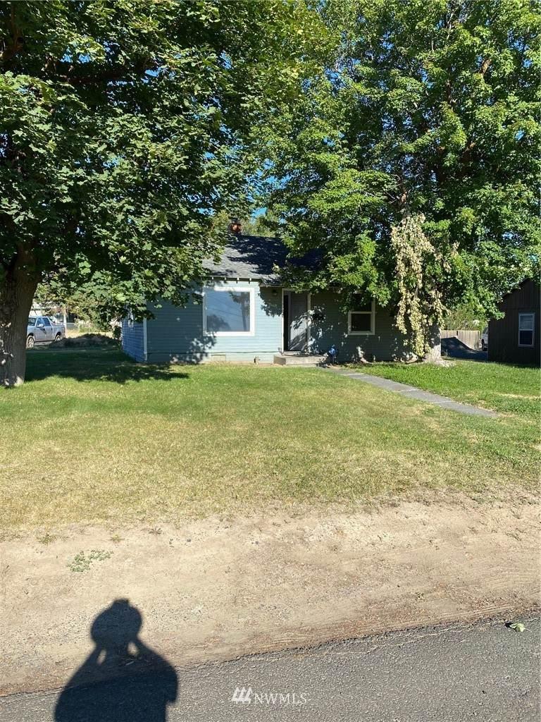 605 Maple Street - Photo 1
