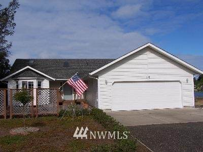 219 Duck Lake Drive NE, Ocean Shores, WA 98569 (#1647101) :: The Original Penny Team