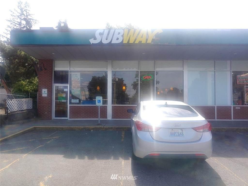 1306 Lakeway Drive - Photo 1