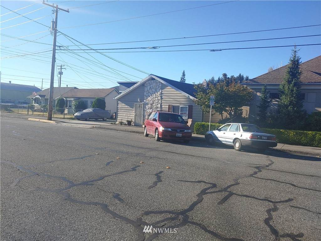 815 Fairhaven Avenue - Photo 1