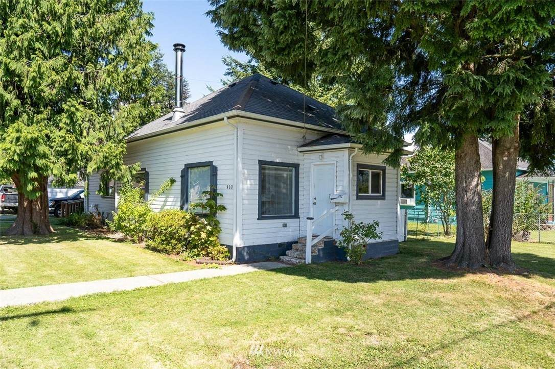 902 Fidalgo Street - Photo 1
