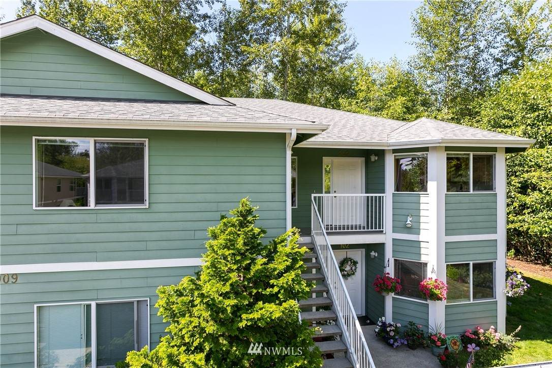 909 Orchid Place - Photo 1