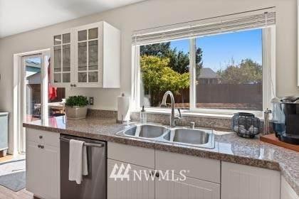 14813 165th Avenue SE, Monroe, WA 98272 (#1655425) :: Ben Kinney Real Estate Team