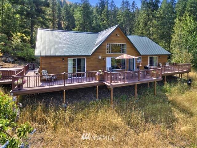 138 Flying H Loop Road, Naches, WA 98937 (#1656773) :: Capstone Ventures Inc