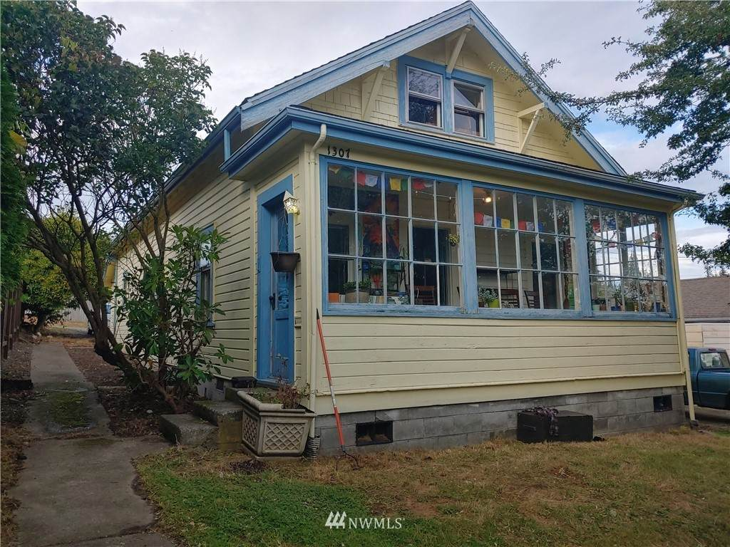 1307 Old Fairhaven Parkway - Photo 1