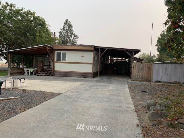 8729 NE Charles Road, Moses Lake, WA 98837 (#1665987) :: Northern Key Team