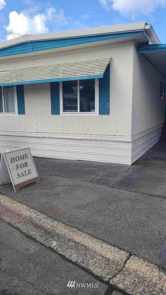 2302 R Street SE #122, Auburn, WA 98002 (#1665996) :: Keller Williams Realty