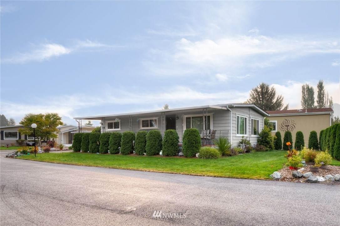 1070 Pine Drive - Photo 1