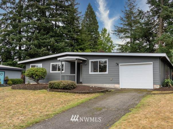 1212 147th Avenue SE, Bellevue, WA 98007 (#1667125) :: Mike & Sandi Nelson Real Estate