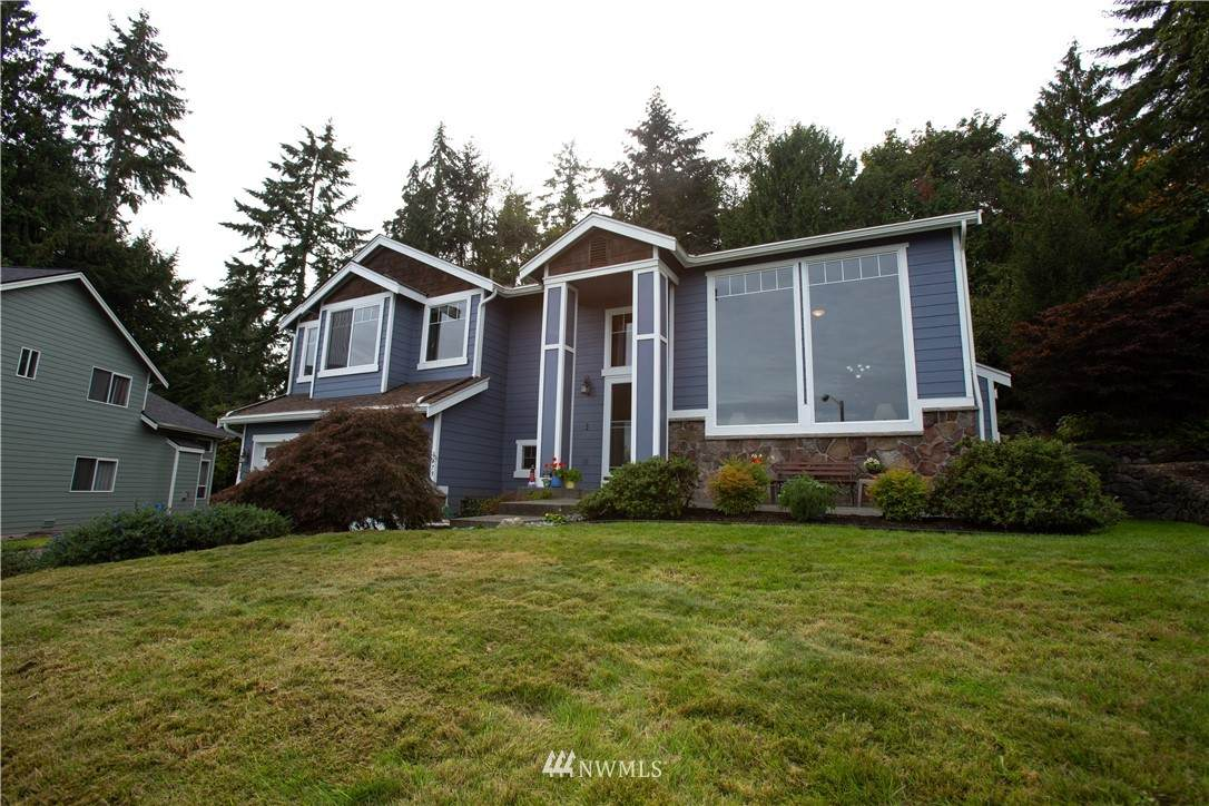 3479 Shore Cliff Street - Photo 1