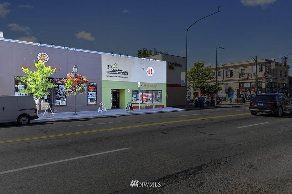 4707 California Avenue - Photo 1