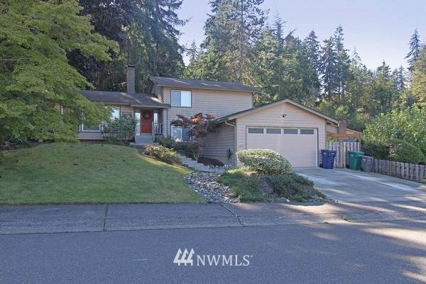 29233 13th Place S, Federal Way, WA 98003 (#1671089) :: Alchemy Real Estate