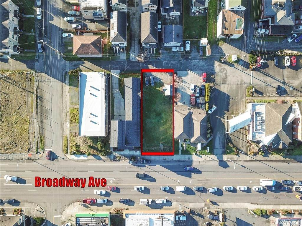 3122 Broadway Avenue - Photo 1