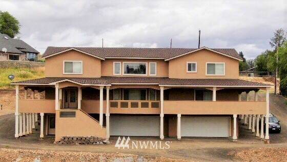 13351 W Wide Hollow Road, Yakima, WA 98908 (#1673586) :: Priority One Realty Inc.