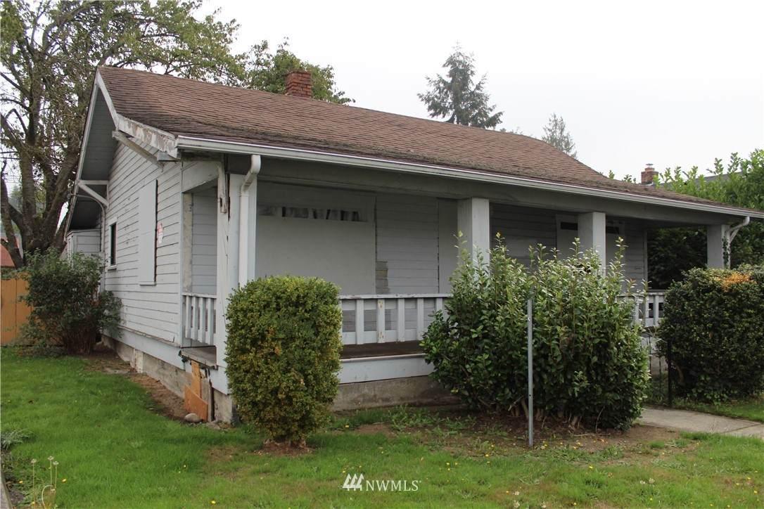 5611 Yakima Avenue - Photo 1