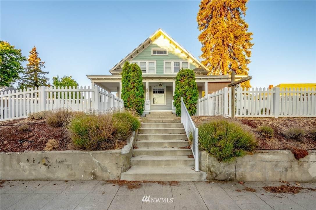 524 Okanogan Avenue - Photo 1