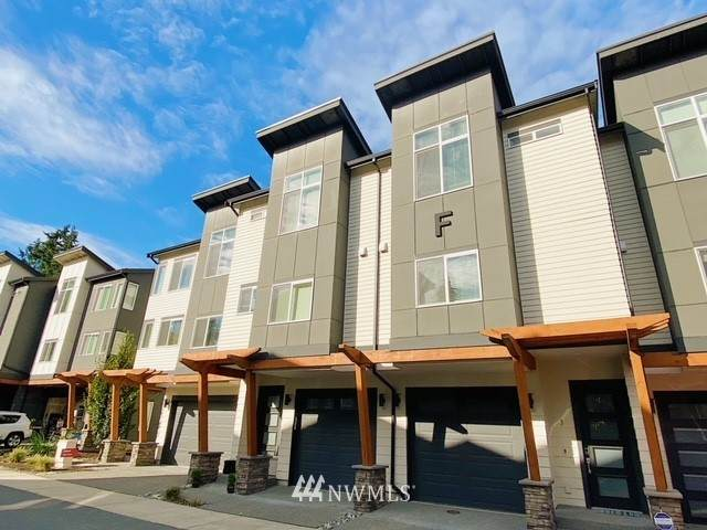 19225 Damson Rd F3, Lynnwood, WA 98036 (#1677449) :: Mike & Sandi Nelson Real Estate