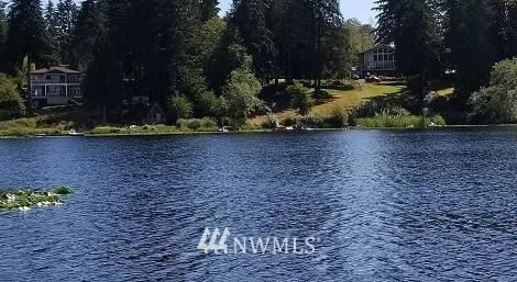 1417 S Lake Stickney Drive, Lynnwood, WA 98087 (#1677941) :: Mike & Sandi Nelson Real Estate