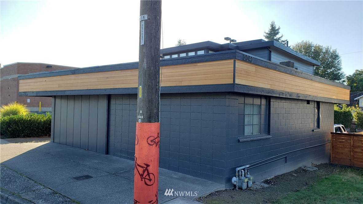 2040 6th Avenue - Photo 1