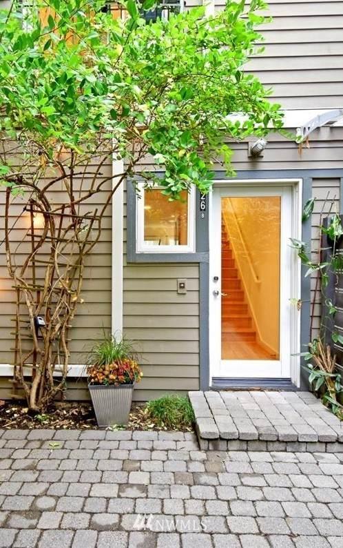 126 19th Avenue E B, Seattle, WA 98112 (MLS #1682811) :: Brantley Christianson Real Estate