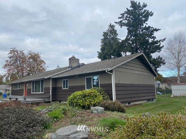722 117th Street E, Tacoma, WA 98444 (#1684542) :: NW Home Experts