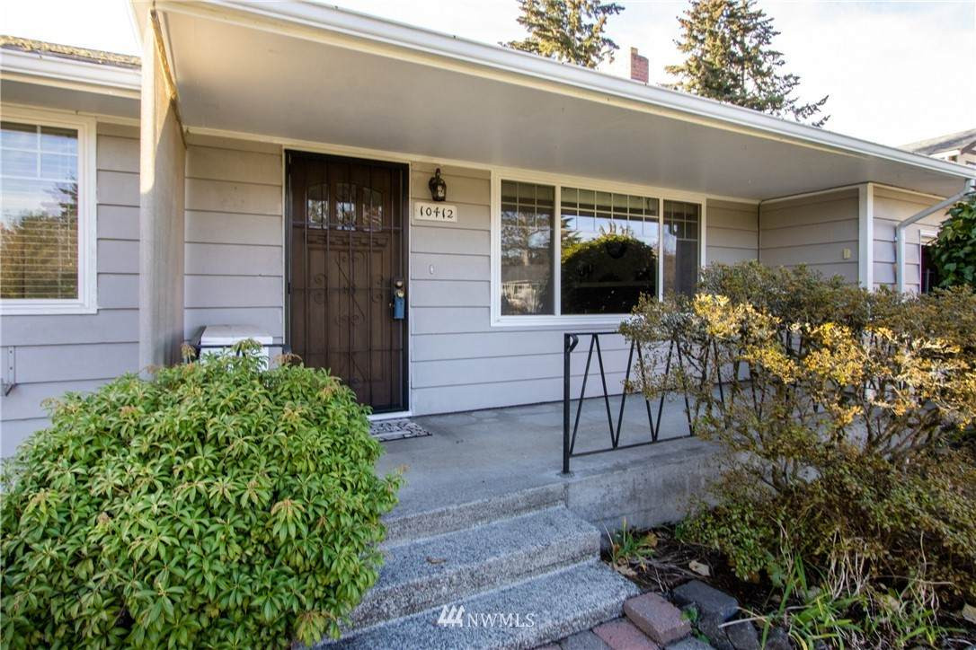 10412 Rainier Avenue - Photo 1