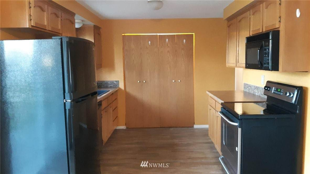 1086 Greenwood Street - Photo 1