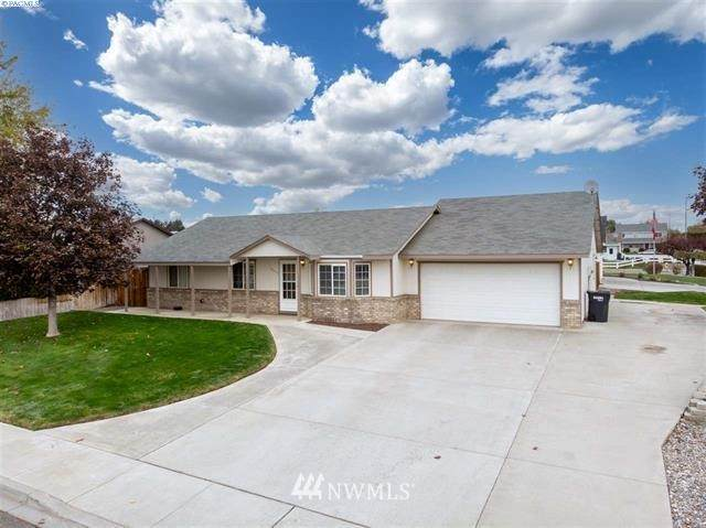 4660 Poppy Street, West Richland, WA 99353 (#1687963) :: The Robinett Group