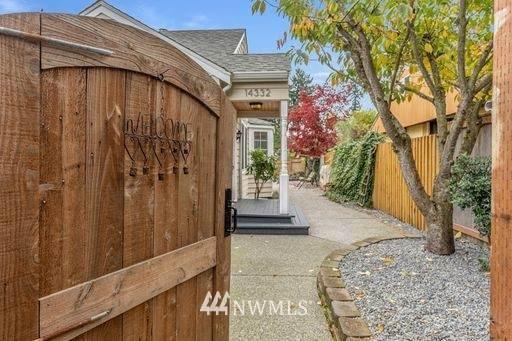 14332 Ashworth Avenue N, Seattle, WA 98133 (MLS #1688852) :: Community Real Estate Group