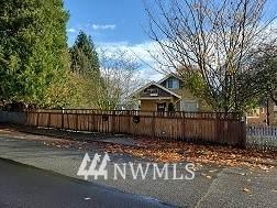 2519 Cleveland Avenue, Everett, WA 98201 (MLS #1689312) :: Community Real Estate Group