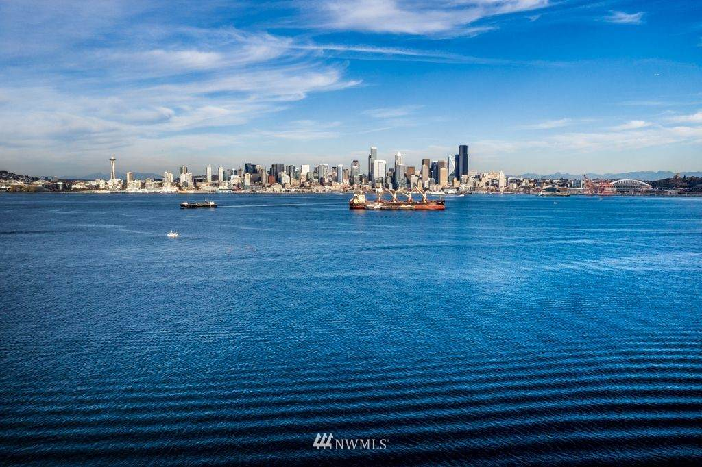1301 Harbor Avenue - Photo 1