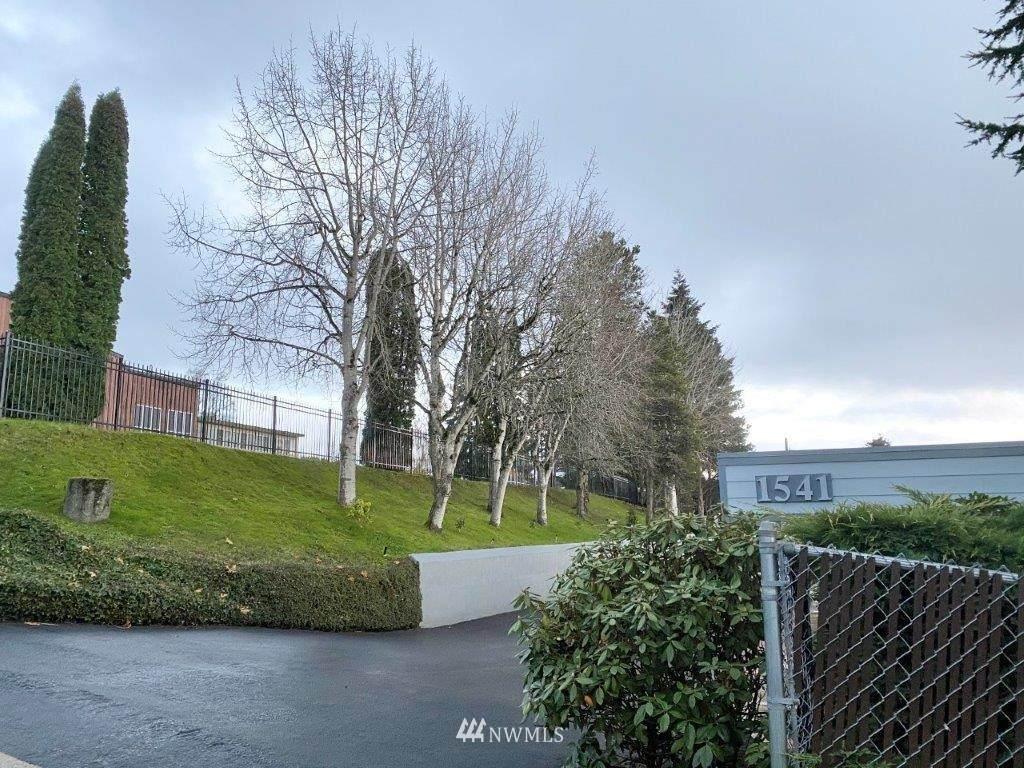1541 Sheridan Drive - Photo 1