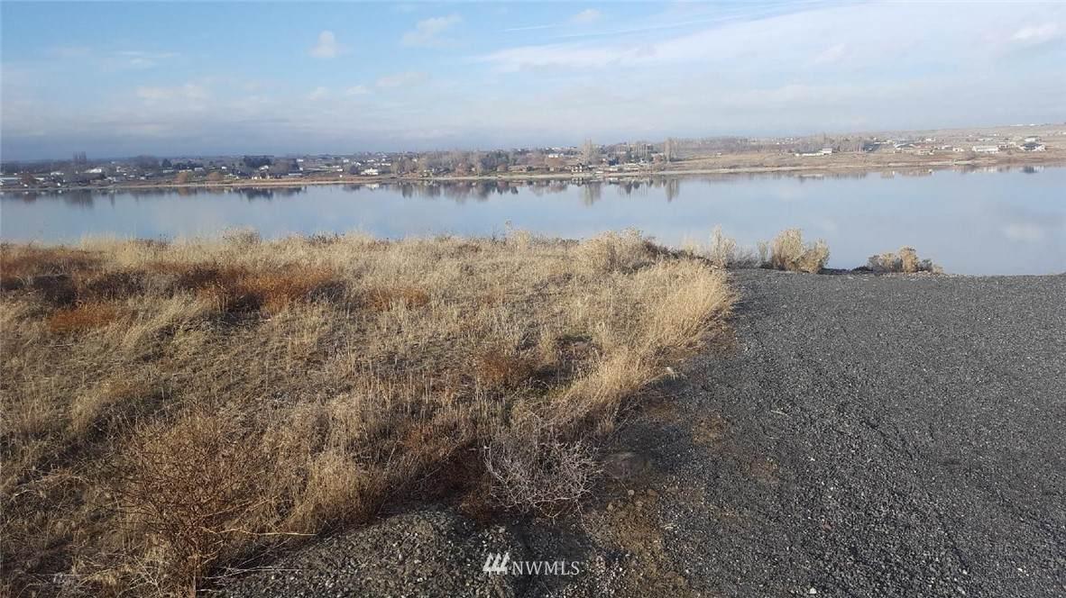 5028 Panorama Drive - Photo 1