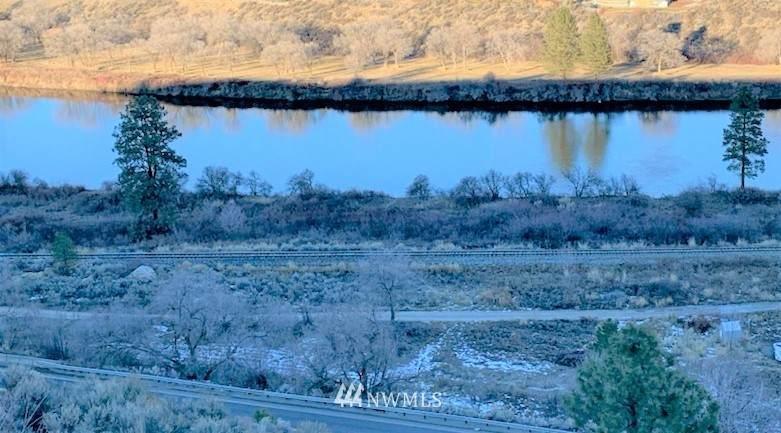 91 Omak Eastside Riverside Road - Photo 1