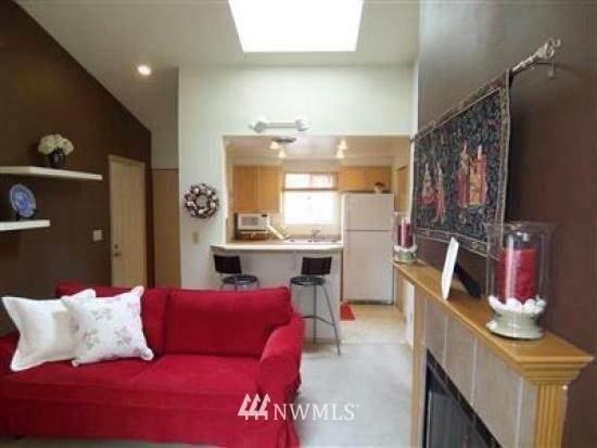 451 S 328th Street E24, Federal Way, WA 98003 (#1714518) :: Beach & Blvd Real Estate Group