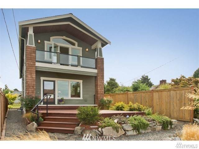 10032 44th Avenue SW, Seattle, WA 98146 (MLS #1715267) :: Community Real Estate Group