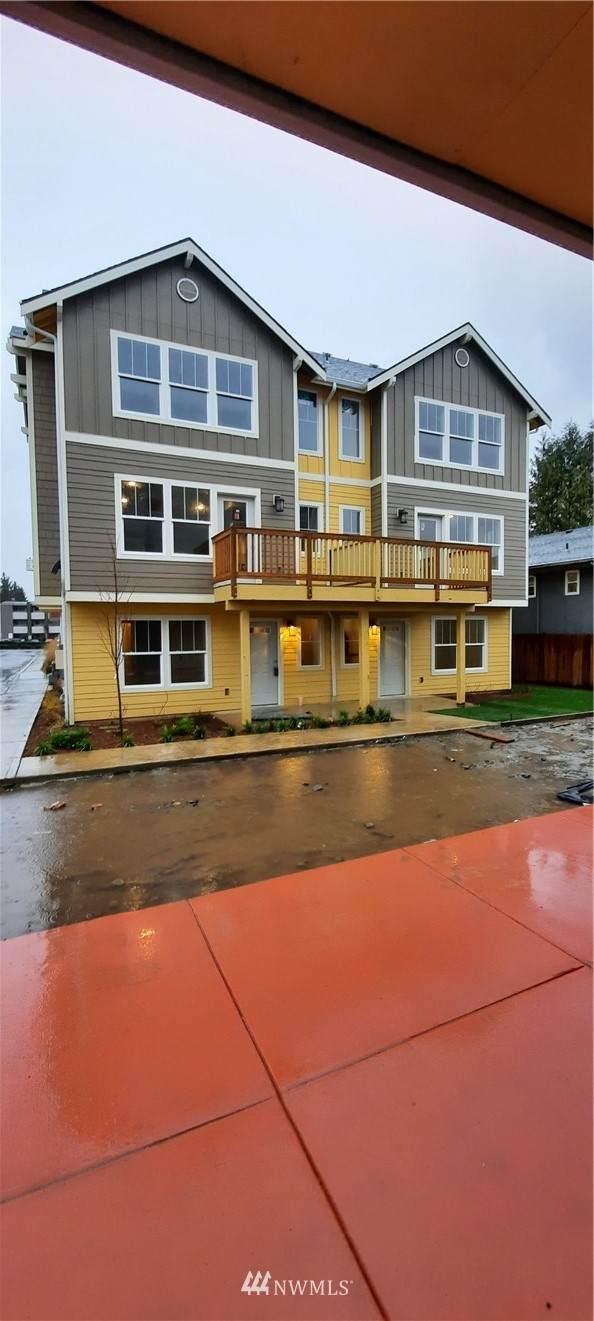 14414 34th Lane S, Tukwila, WA 98168 (#1716258) :: Capstone Ventures Inc