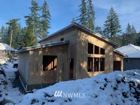 8340 Golden Valley Boulevard, Maple Falls, WA 98266 (MLS #1716713) :: Community Real Estate Group
