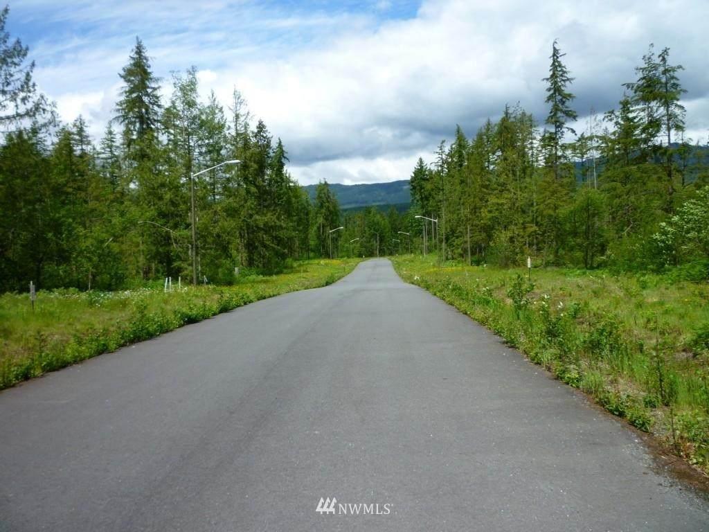 8600 Trillium Lane - Photo 1