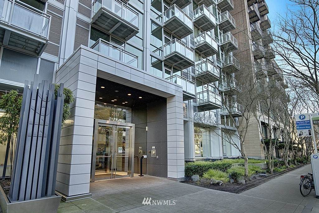 2911 2nd Avenue - Photo 1
