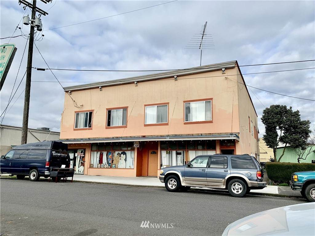 211 Pine Street - Photo 1