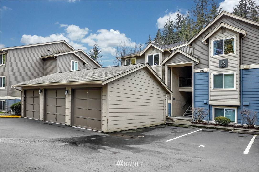 19418 Bothell Way - Photo 1