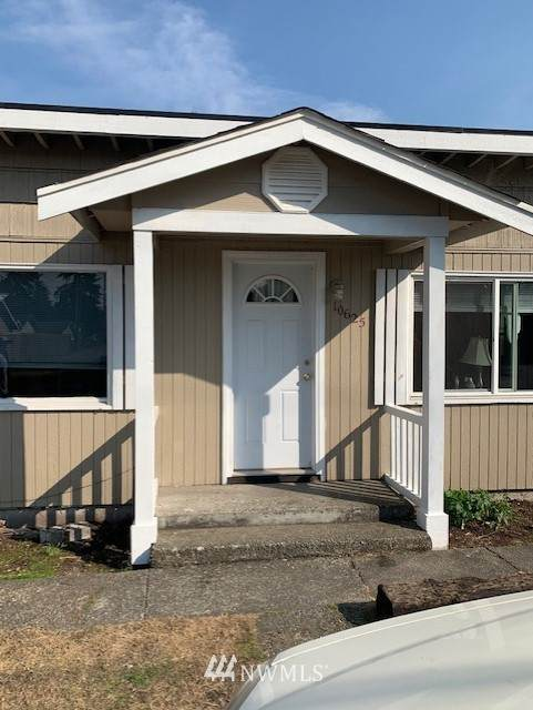 10625 Sheridan Avenue N A, Tacoma, WA 98444 (#1726467) :: Shook Home Group