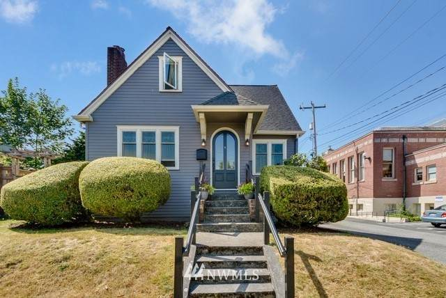 4109 SW College St, Seattle, WA 98116 (#1730022) :: Shook Home Group